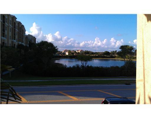 1229 Via De Fossi Boynton Beach, FL 33426