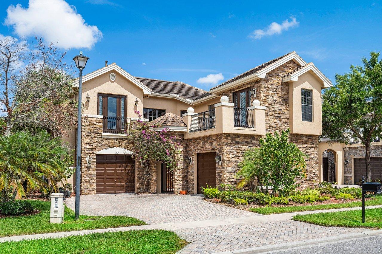3514  Collonade Drive  For Sale 10732202, FL