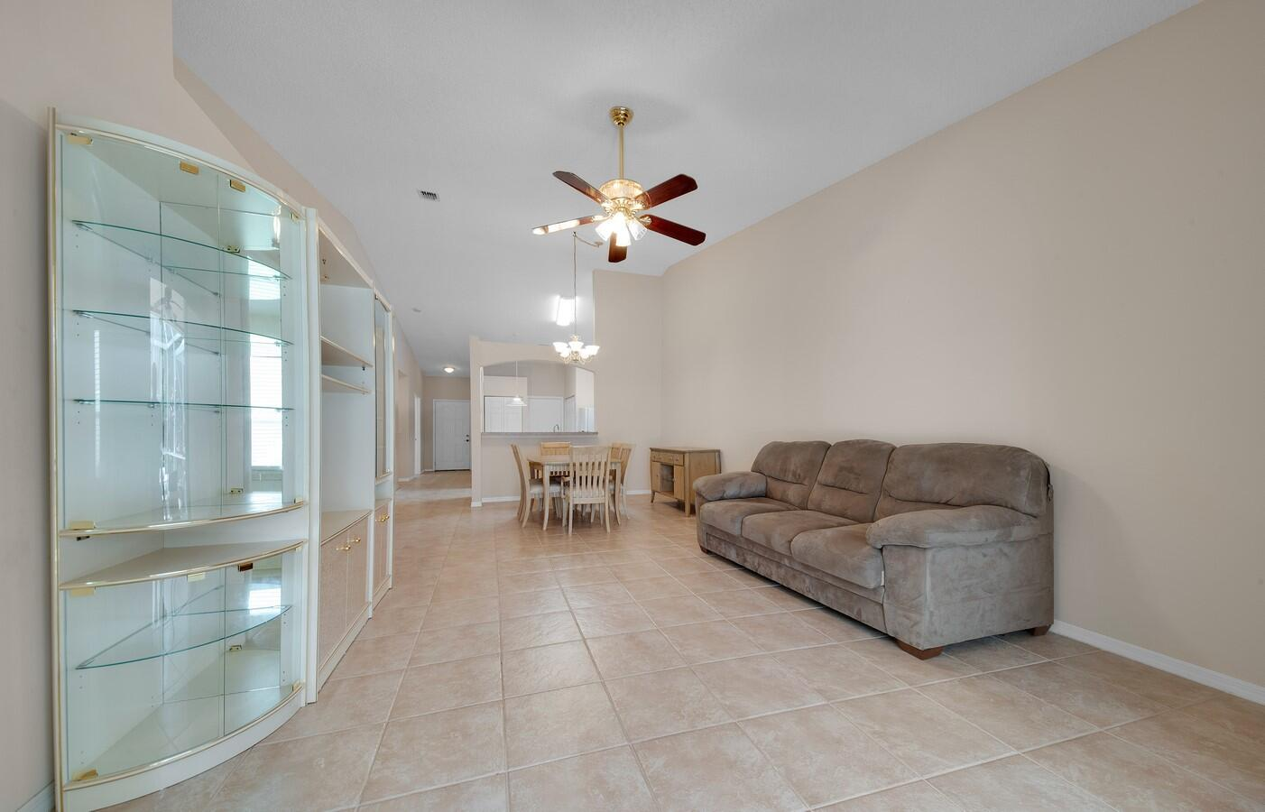 8541 Logia Circle Boynton Beach, FL 33472 photo 5