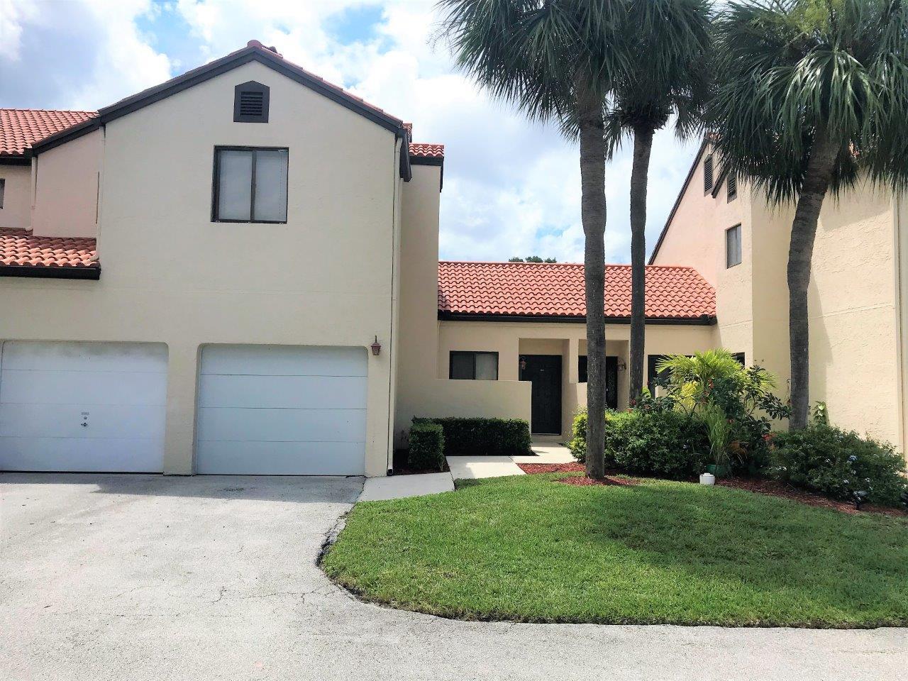 20 Via De Casas Sur 102  Boynton Beach, FL 33426