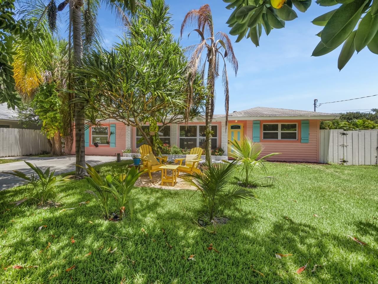 2427 Country Oaks Lane Palm Beach Gardens, FL 33410