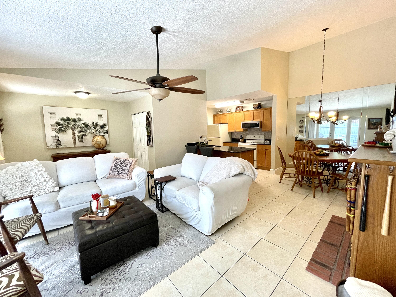 1071  Goldenrod Road  For Sale 10732425, FL