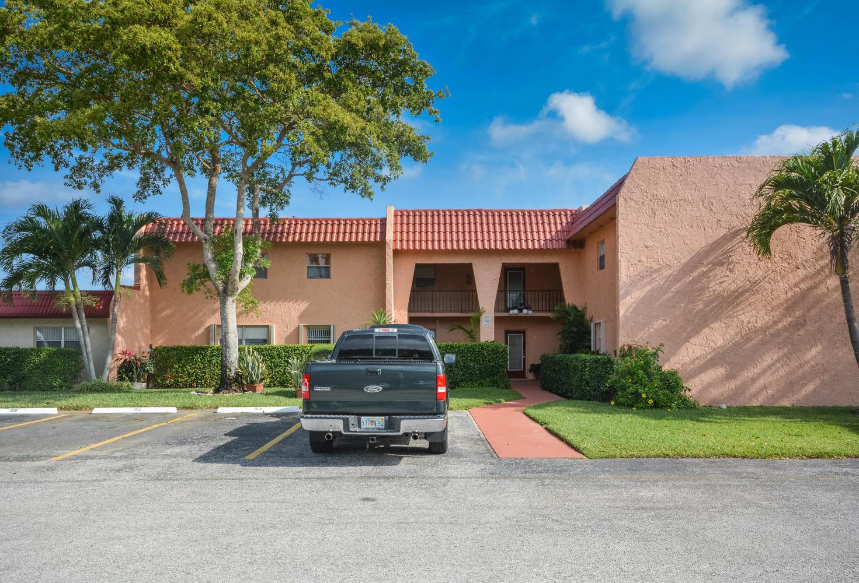 447 Lake Dora Drive West Palm Beach, FL 33411