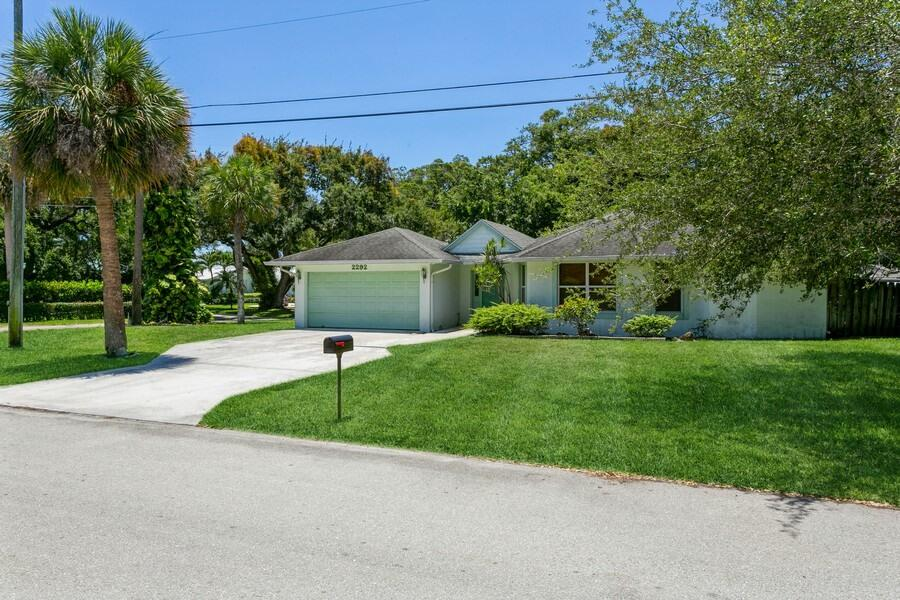 2292  Flamingo Road  For Sale 10722901, FL