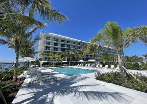 Private Pool & Cabana Club House