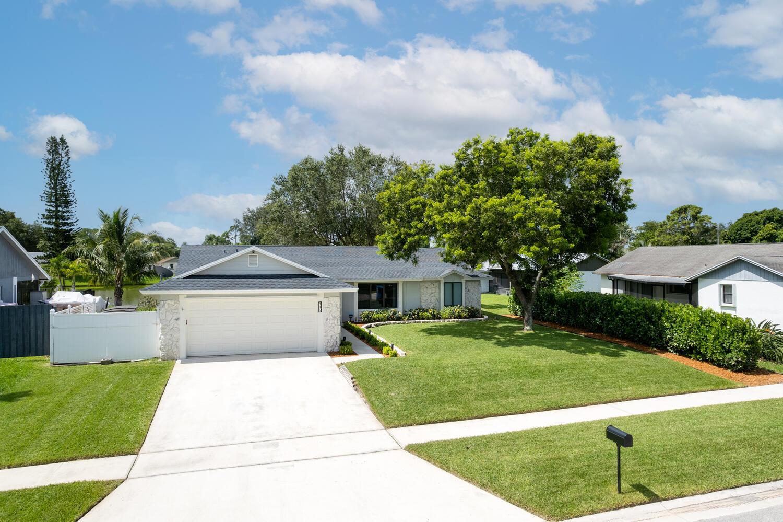 119 Parkwood Drive Royal Palm Beach, FL 33411