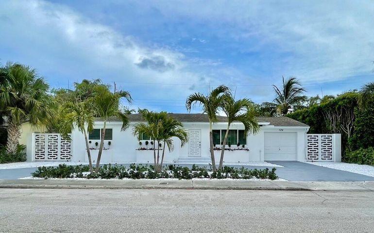 124 Gregory Place West Palm Beach, FL 33405 photo 2
