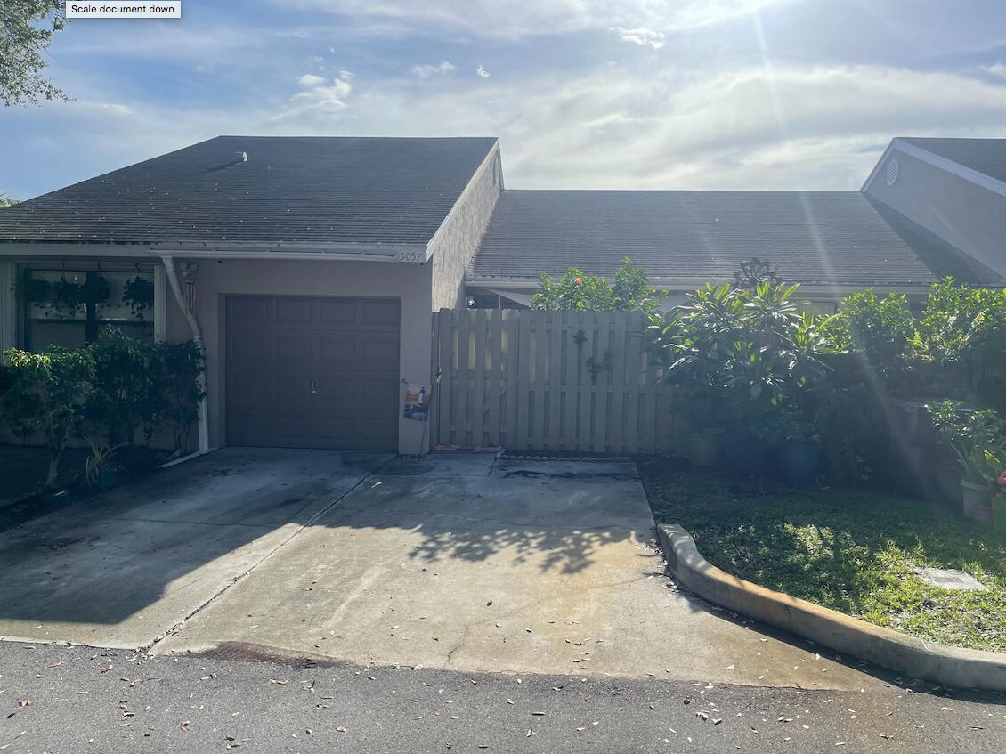 Nicely kept 2 BR, 2 BA villa with one car garage & front/back patios. One car garage could be converted to 3rd bedroom if needed. Open floor plan. Driveway accommodates two cars. A must see!