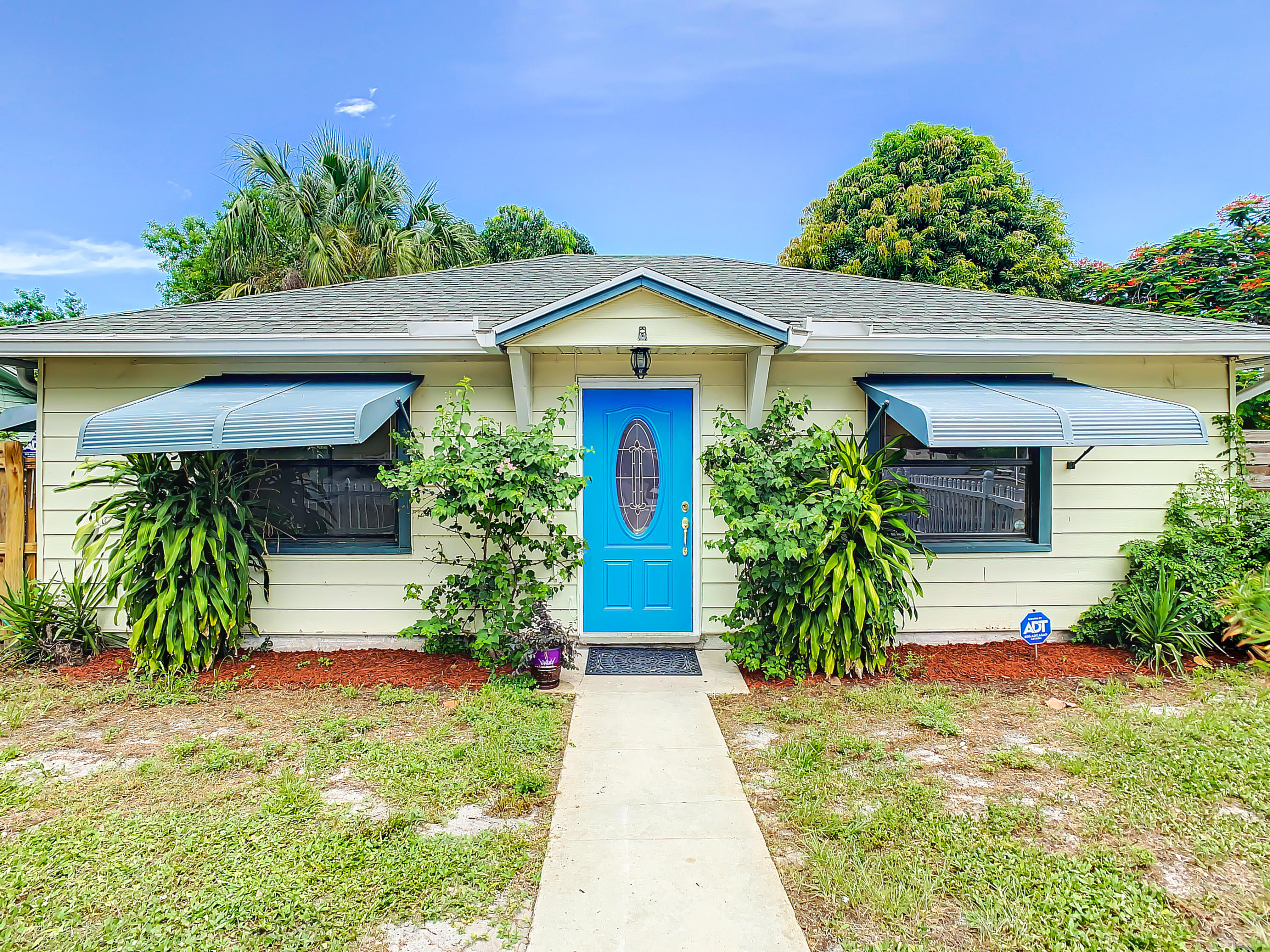 Home for sale in LAKEVIEW HEIGHTS ADD 3 Lake Worth Beach Florida