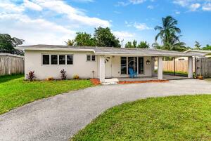 912 SE 13th Street, Deerfield Beach, FL 33441