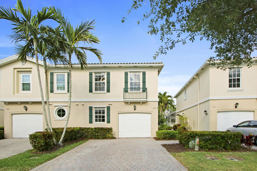 Beautiful 3/2.5 waterfront townhome conveniently located in central Palm Beach Gardens close to PGA Blvd, The Gardens Mall and Downtown at the Gardens. The community pool and clubhouse are just steps away from the front door! Cable and internet are included with the rent!