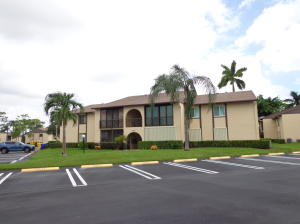 438 Pine Glen Lane, B-1, Greenacres, FL 33463