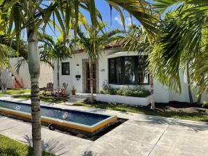 110 Marine Way, #2 Sevilla, Delray Beach, FL 33483