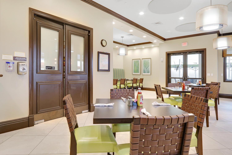 Valencia Palms Cafe