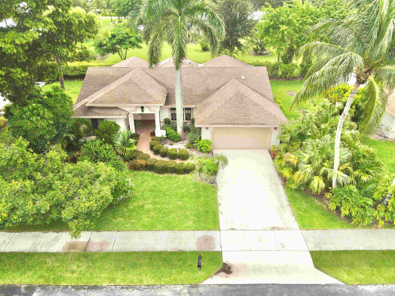 2765  Riviera Drive  For Sale 10733561, FL