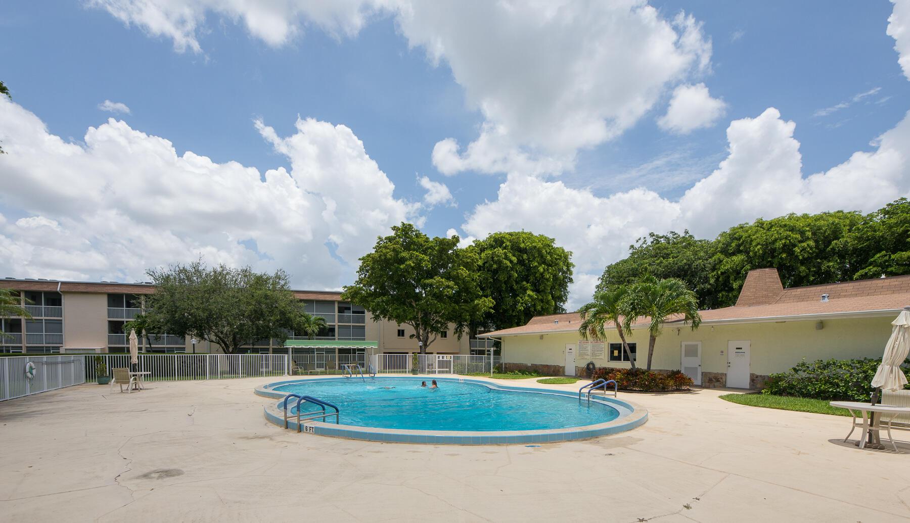 200 Village Green Circle E #104 - 33461 - FL - Palm Springs
