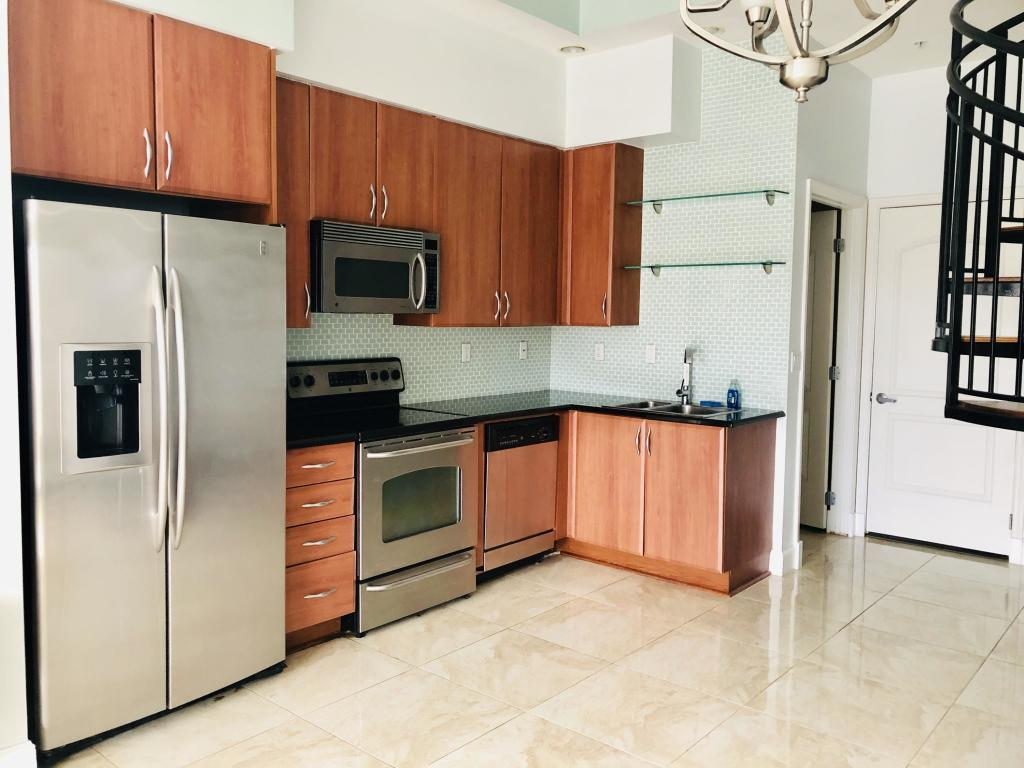 801 S Olive Avenue 403 For Sale 10733440, FL