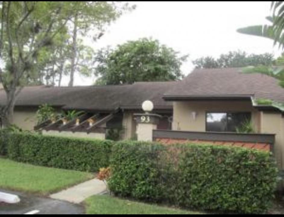 93  Rose Bay Court 93 For Sale 10733151, FL