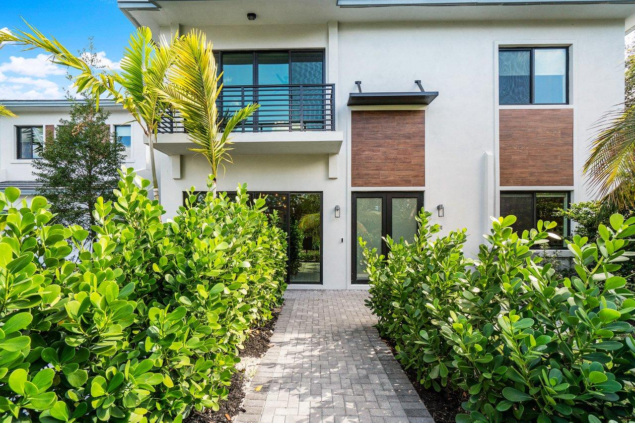 2211 Florida Boulevard - 4/3 in DELRAY 7 TOWNHOMES