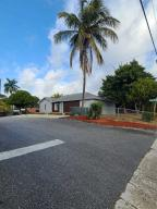 4903 N Australian Avenue, Mangonia Park, FL 33407