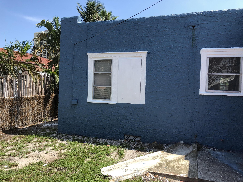 431 58th Street West Palm Beach, FL 33407 photo 8