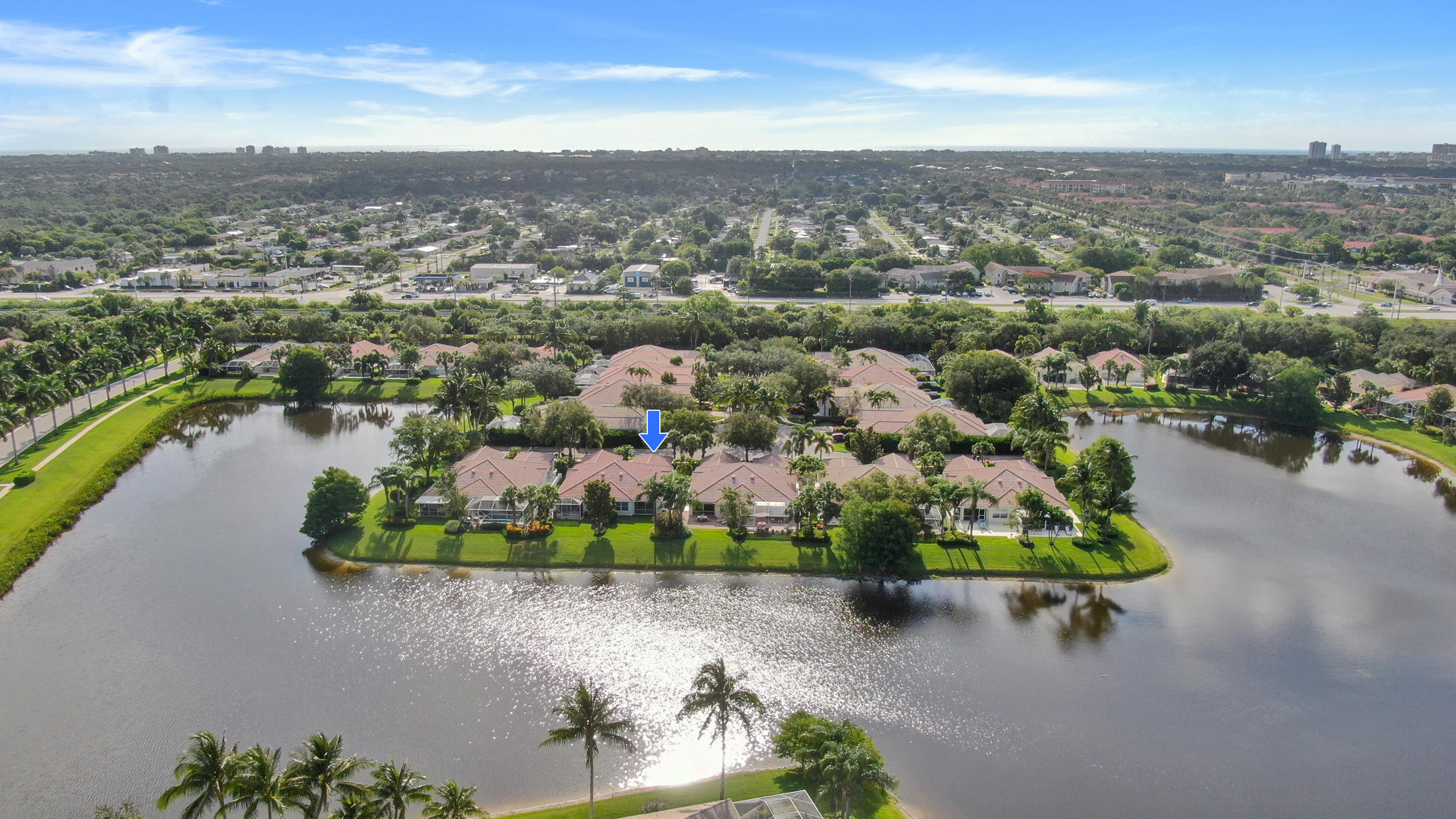 Move into this beautiful light & bright capri model on the quiet street of Magdalena in the Isles of Palm Beach Gardens. Expansive lake views for peace & serenity. This home is conveniently located near shopping and great dining. Whether it is relaxing or being active, the Isles of Palm Beach Gardens puts you in the middle of it all.