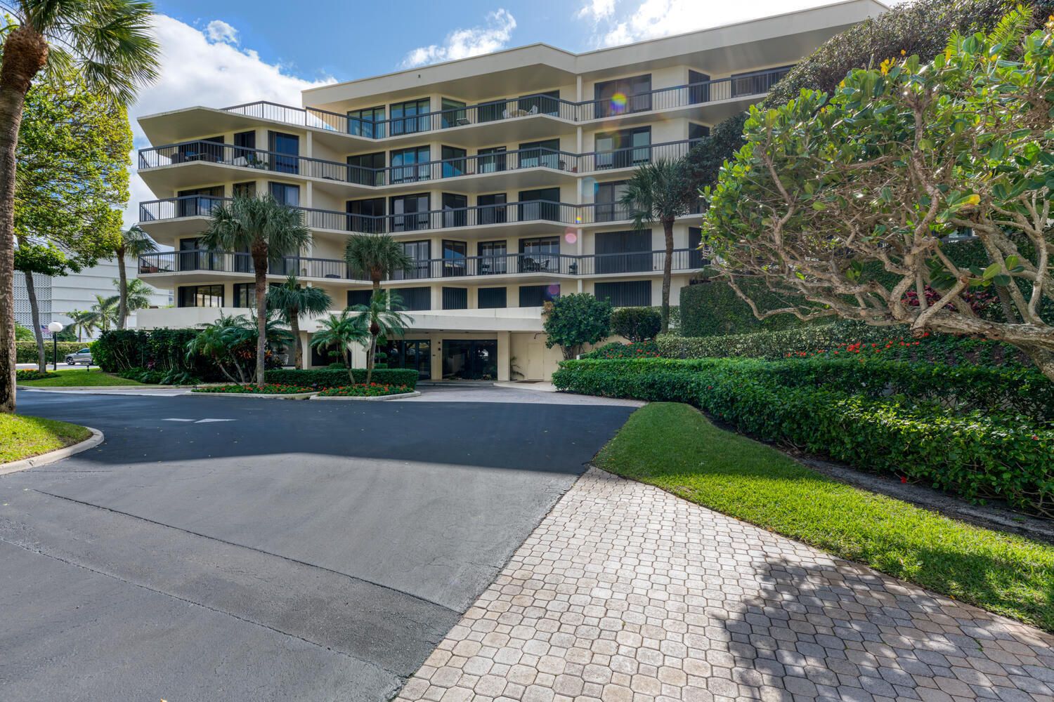 Sutton Place is the only Intracoastal condo in Palm Beach with garage parking priced under 2 million.This large renovated corner 3 bedroom 3 bath unit has a wrap around balcony in a desirable full amenity building with 24 hr doorman, new gym, hallways and clubhouse on the pool deck. Gated deeded beach access gives owners the enjoyment of both ocean and intracoastal waterway to view the boats or play in the sand and surf. The Four Seasons resort and Spa is just across the street and restaurants, shopping and Par 3 Golf Course are within a walk or close drive. Parking spaces 34 garage and #38 out.