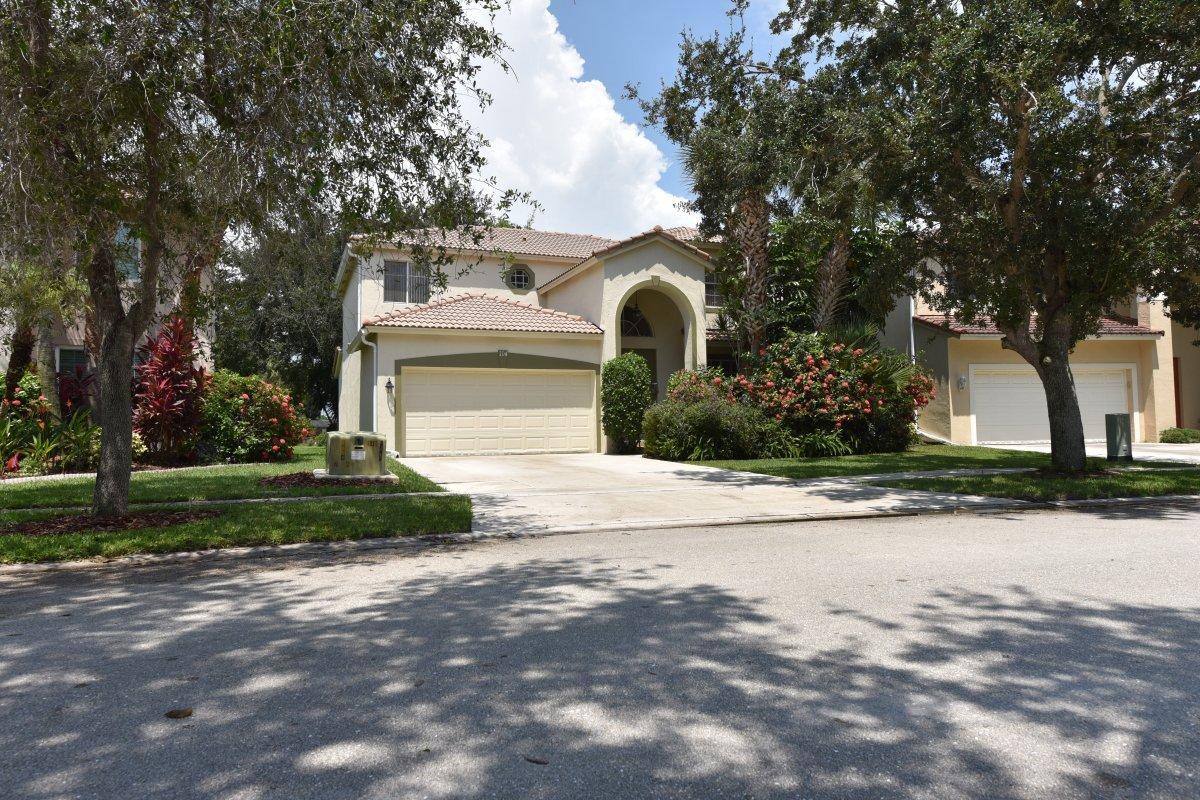 114 Seminole Lakes Drive  Royal Palm Beach, FL 33411
