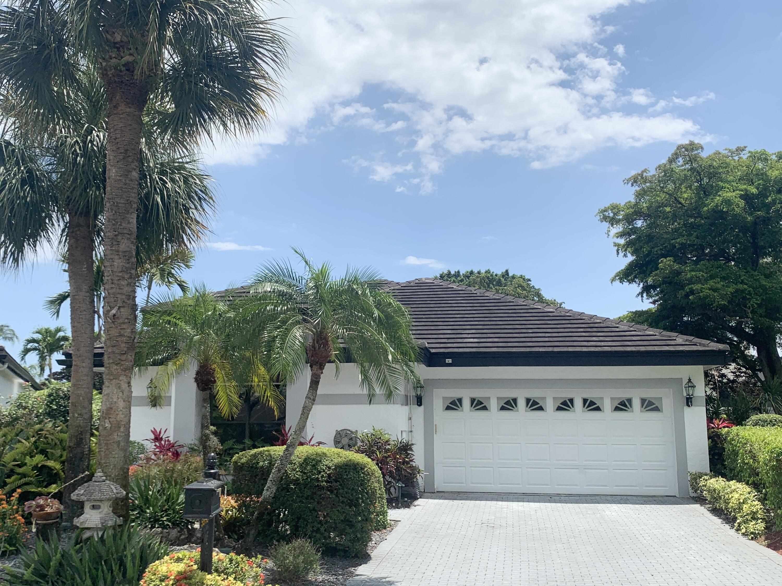 5513  Steeple Chase   For Sale 10734642, FL