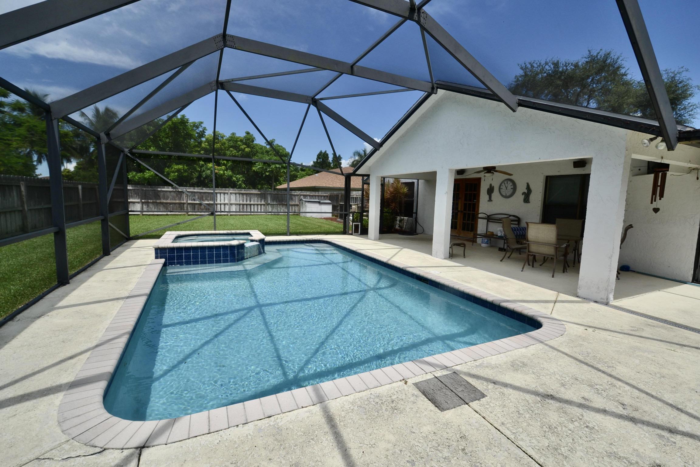 146 Sunflower Circle Royal Palm Beach, FL 33411 photo 23
