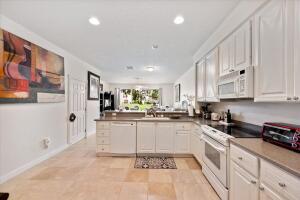 1173 Pinewood Lake Court, Greenacres, FL 33415