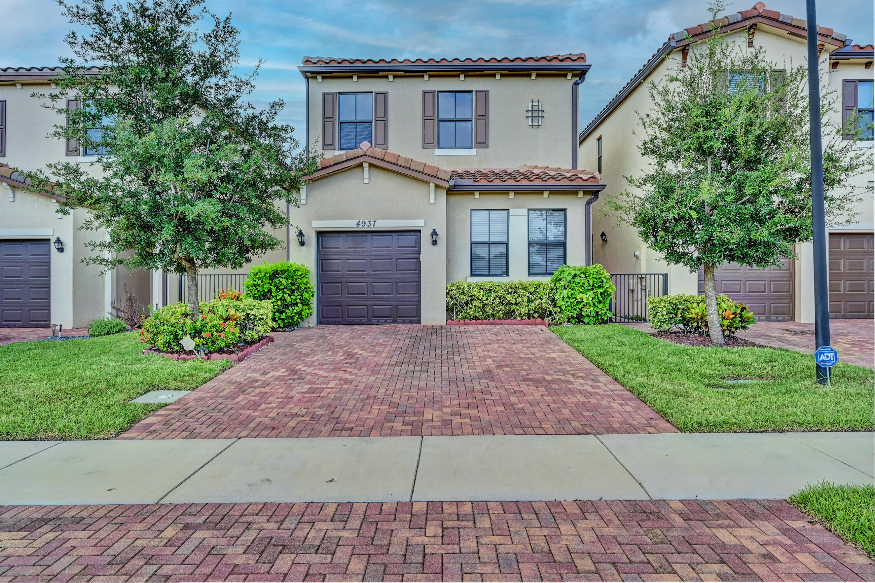 Details for 4937 55th Place Nw, Tamarac, FL 33319