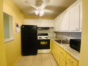 191 Camden H, West Palm Beach, FL 33417