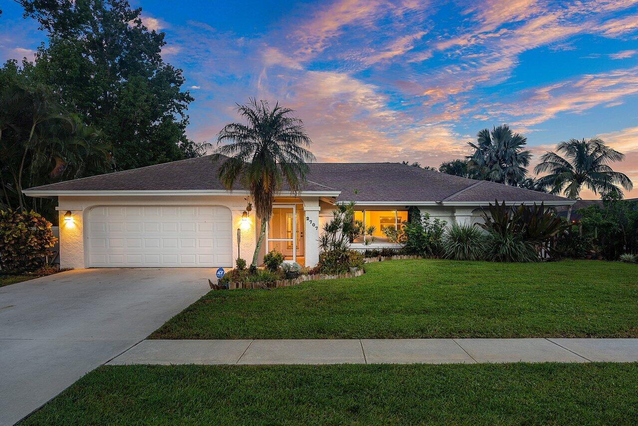 2707  Yarmouth Drive  For Sale 10734723, FL