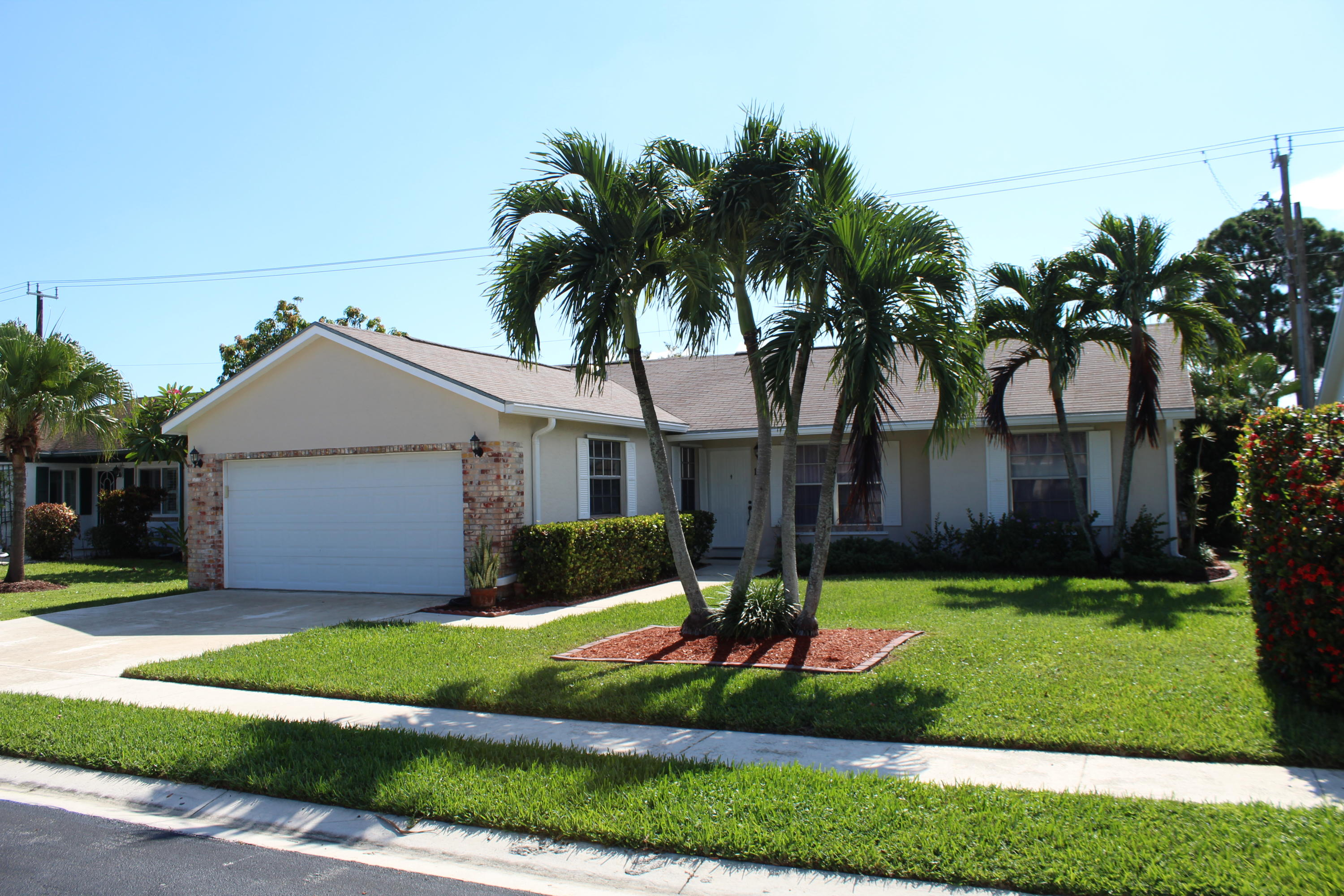 Meticulously kept 3 bedroom/2 bath CBS home. Tile throughout main living area with granite kitchen with stainless steel appliances. Fenced in yard with screened in patio. Community pool. AC is less than 1 year old. Close to everything, shops, restaurants, large park around the corner. Enjoy the beautiful town of Jupiter and its A rated school systems. Short ride to the peaceful beaches. Will be available to show after 8/3.