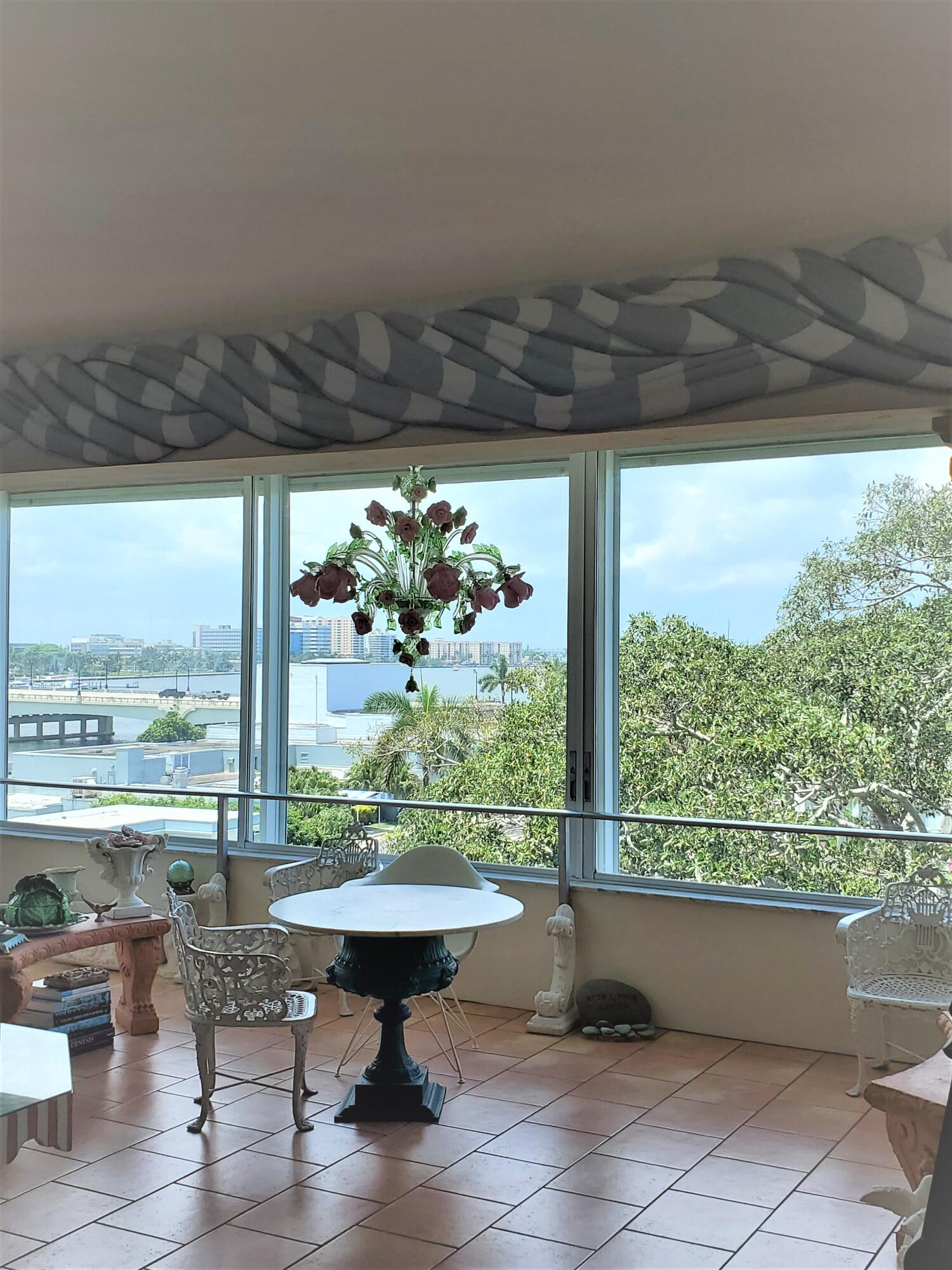 Unique Opportunity to purchase this approx. 1,200 sq. foot Pied-A'-Terre with fabulous intracoastal views looking North up the waterway, and over the trees facing the Chic Royal Poinciana Plaza. With Two full baths Unit 502A is ready for you to make it yours! Full Service Building, Fabulous pool overlooking the Intracoastal, Exercise Room, Valet... Best location in Town, walk to The Royal, Publix, The Breakers, etc...