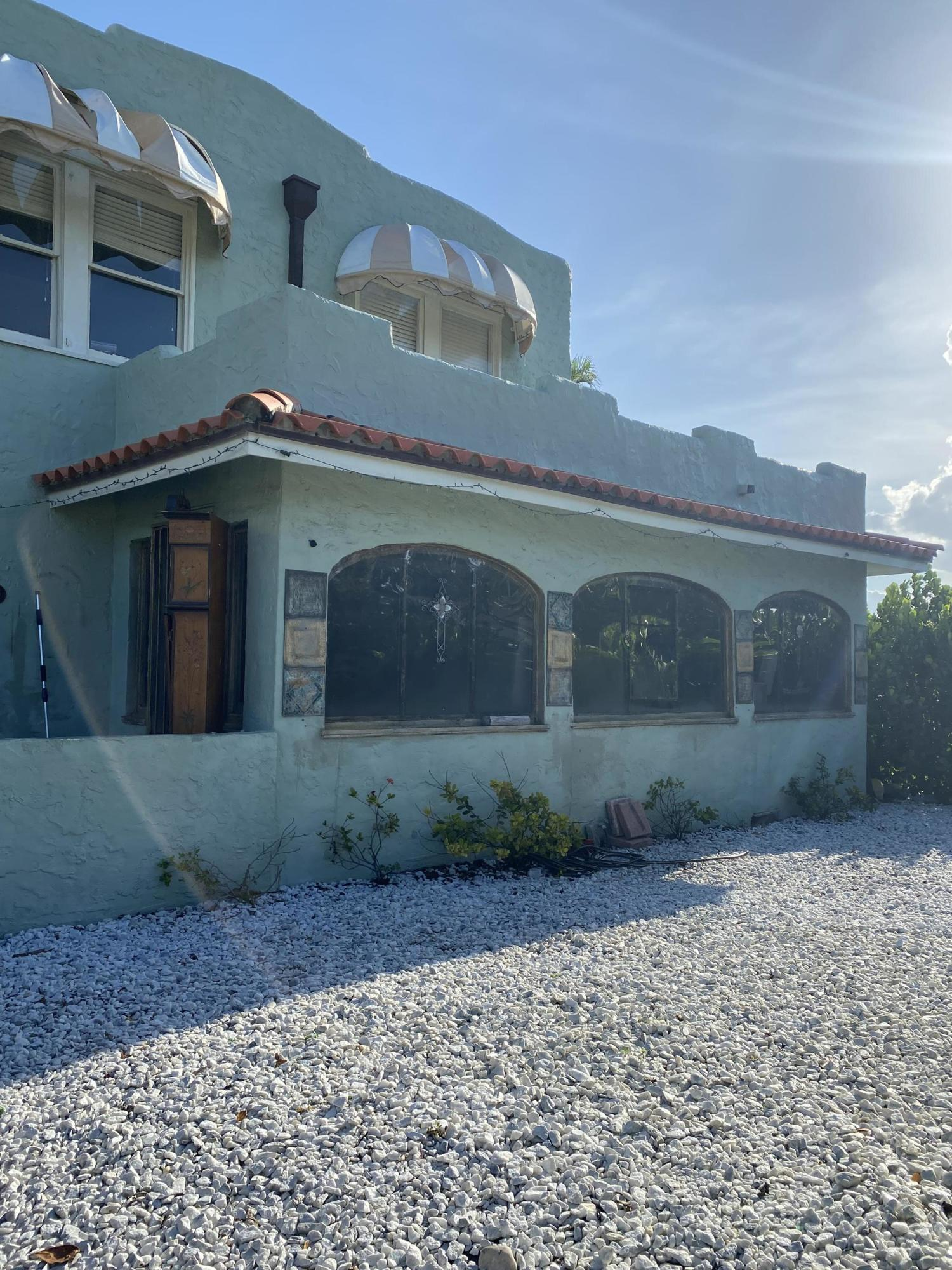 835  30th Court  For Sale 10717928, FL