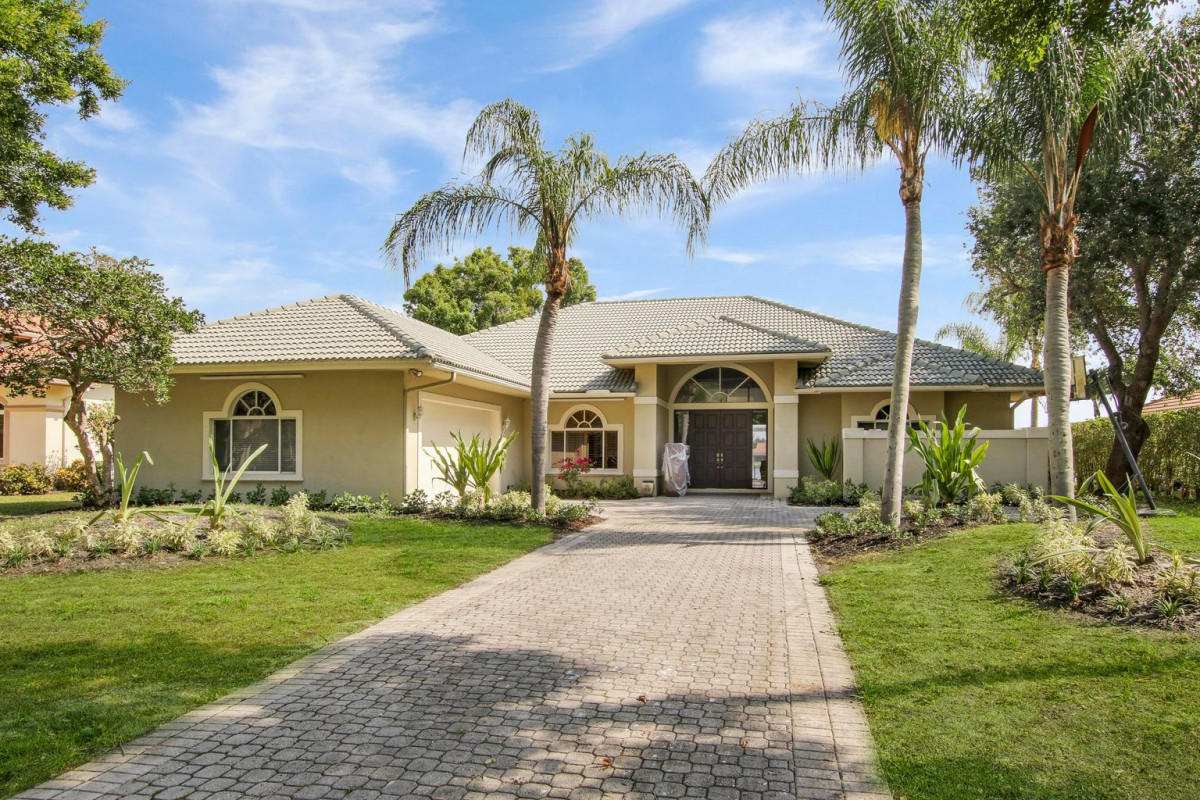 Beautiful 4 bedroom 4 bath 1 story pool home on cul de sac in gated community of Preston in PGA National. Western lake front exposure. Open floor plan with large screened patio.  PGA National Golf & Tennis memberships available but not required.