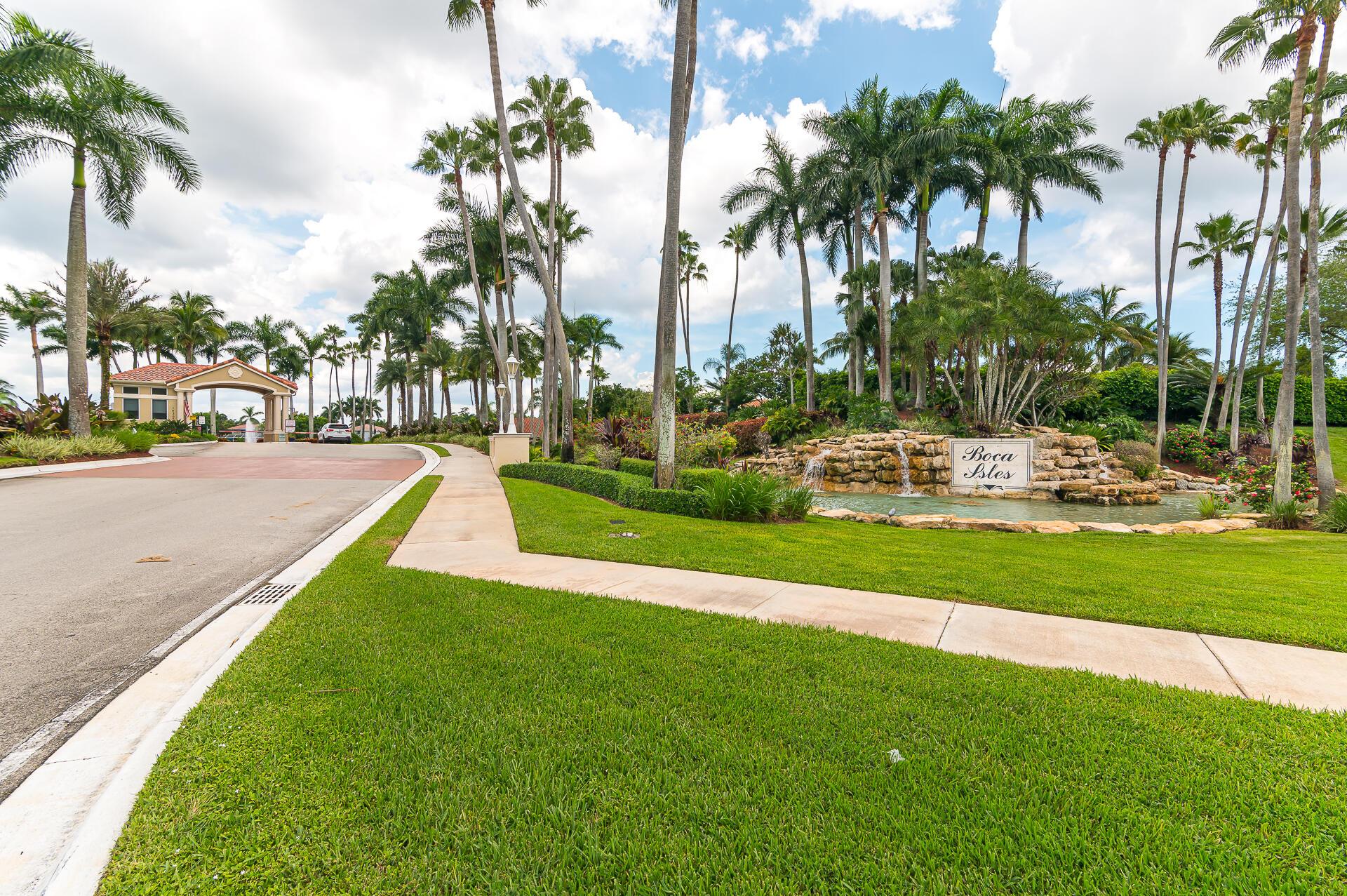 Photo of 10728 Maple Chase Drive, Boca Raton, FL 33498