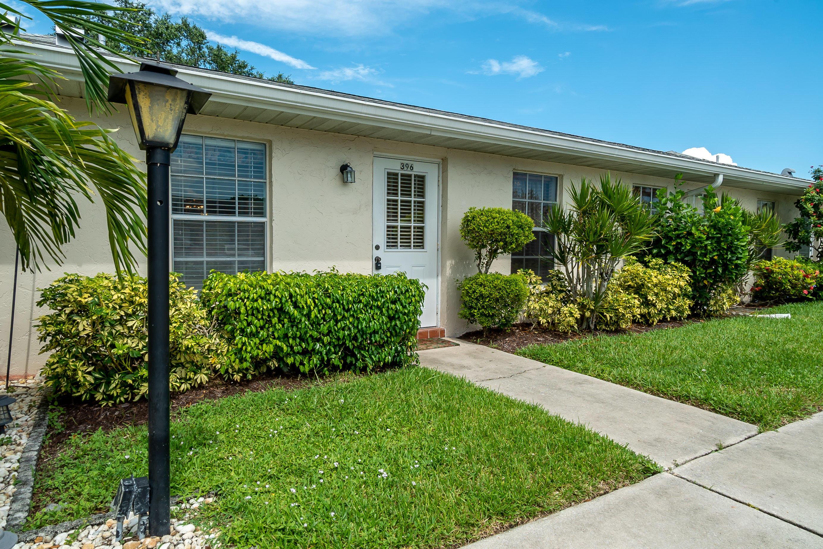 396 Bennington Lane Lake Worth, FL 33467