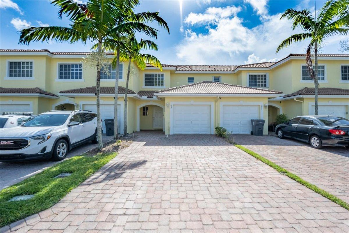 1071  Imperial Lake Road  For Sale 10732756, FL