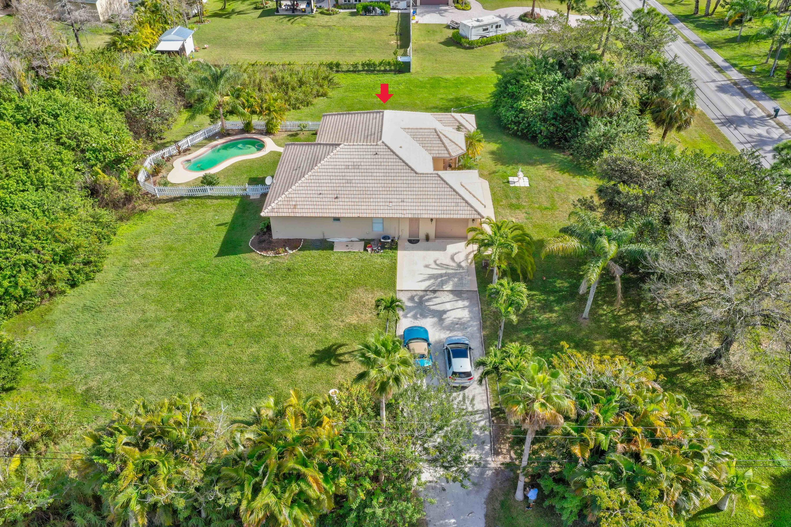 SHORT TERM OK FURNISHED OR UNFURNISHEDBeautiful   Pool home  in a country setting pictures updated since pictures were taken  pool is crystal clear yet beach ,shops, airport ,golf, restaurants within all 5-15 min  .  All white cabinets !A rated schools Paved Rd,city water ,  jacuzzi , 1.5 acre land available immediately  2 car grg
