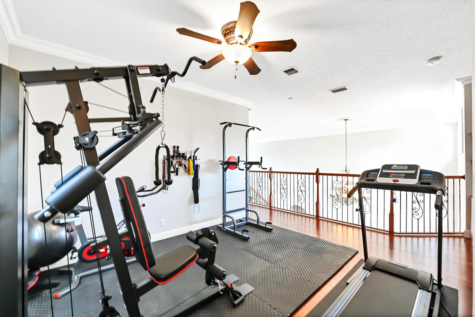 33 Gym Room 01