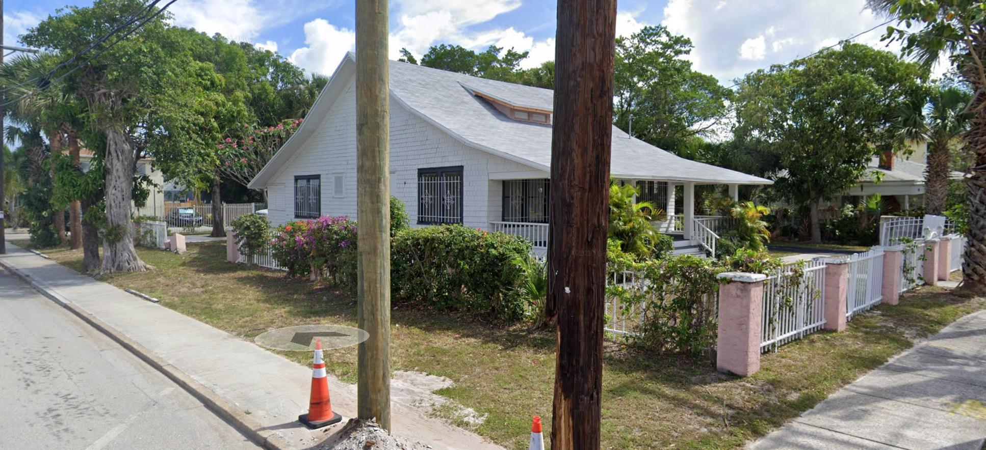 923  3rd Street  For Sale 10735429, FL