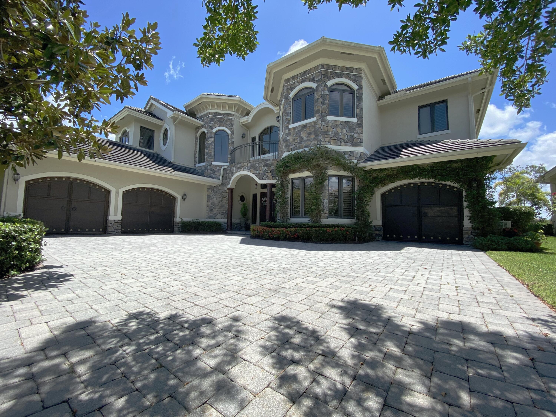 8989  Stone Pier Drive  For Sale 10735589, FL