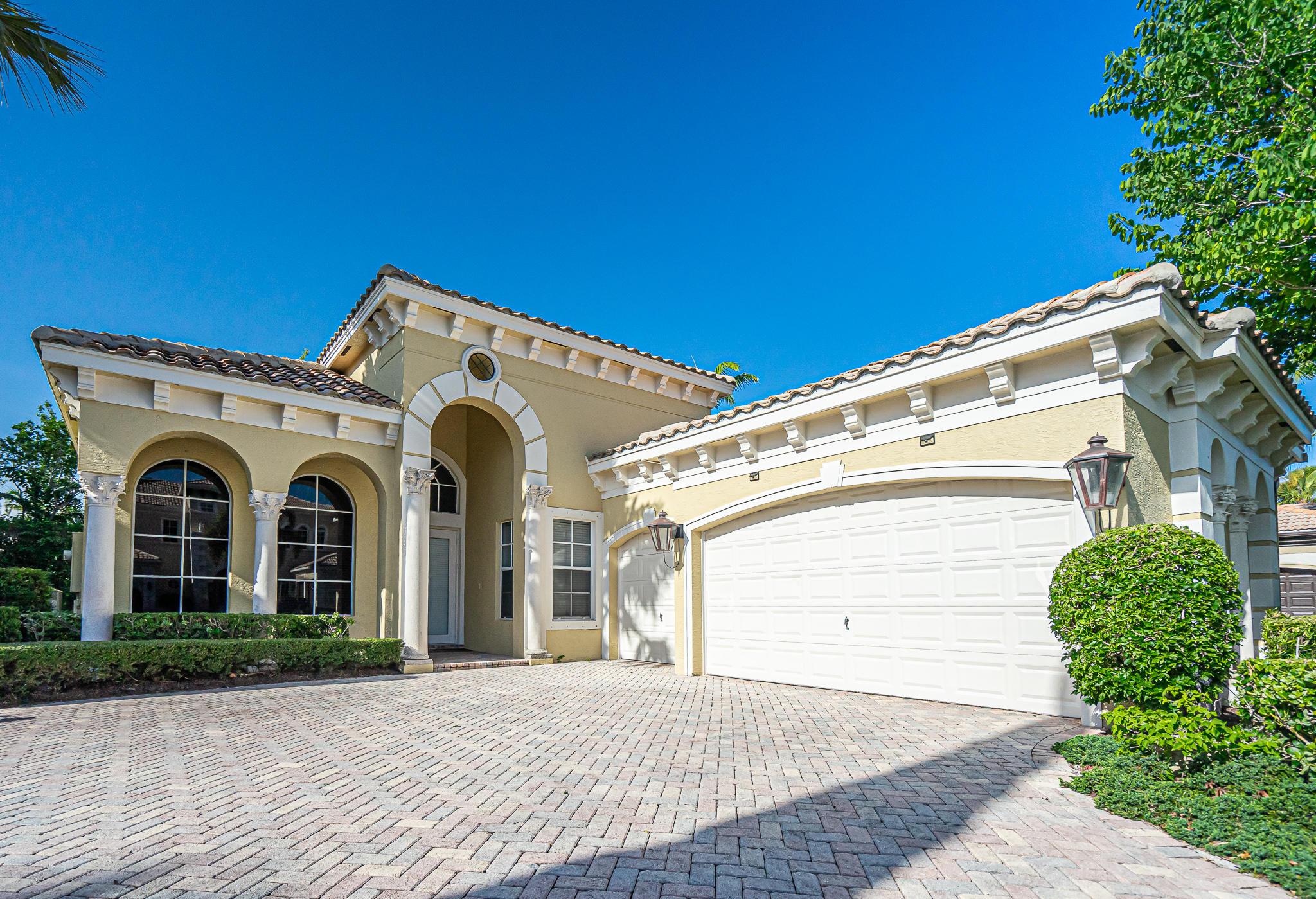 6412  Dorsay Court  For Sale 10735714, FL