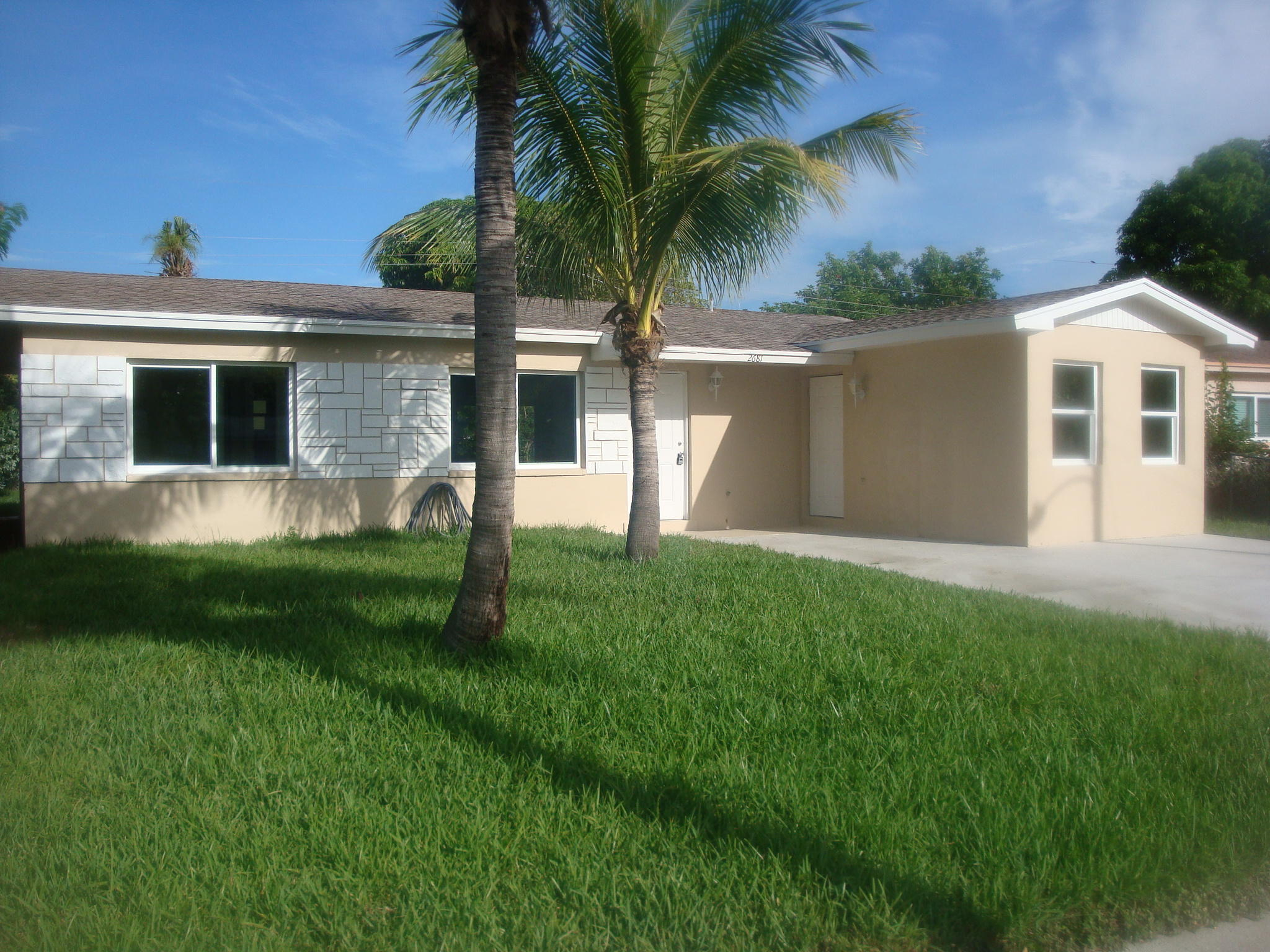 2681 NW 1st Street  For Sale 10735844, FL