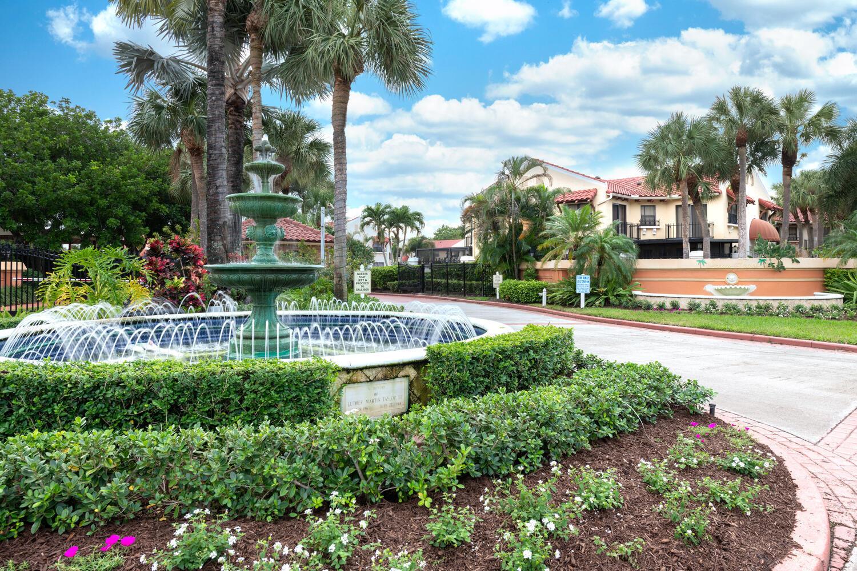 Home for sale in UNO LAGO Juno Beach Florida