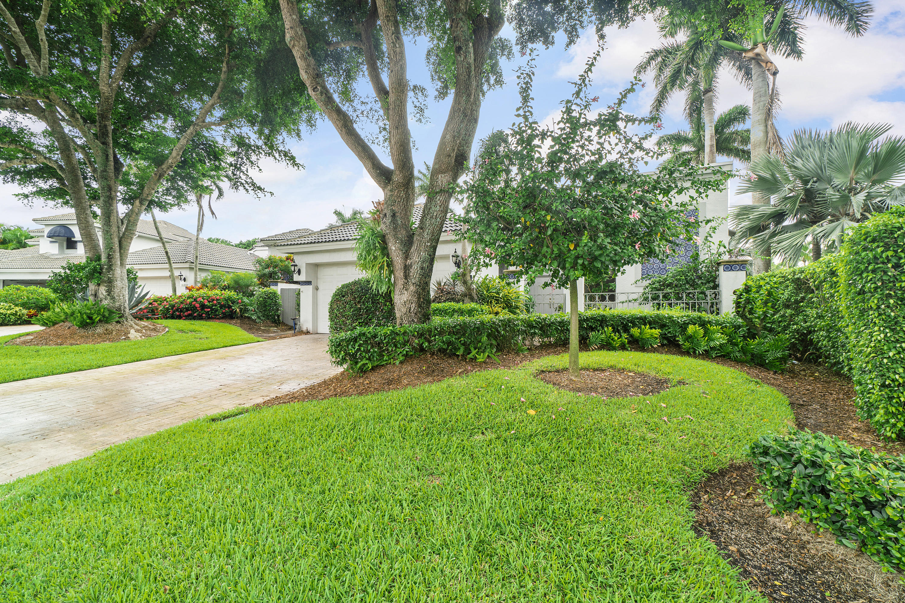 2101 NW 60th Circle  For Sale 10735924, FL