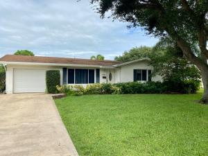 9747 Daffodil Circle N, Palm Beach Gardens, FL 33410